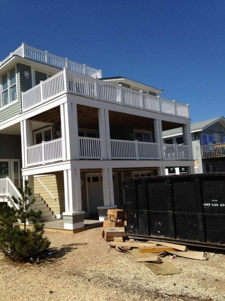 coastal-roofing-barnegat-light-home-vinyl-siding-rails-fiberglass-decks-04